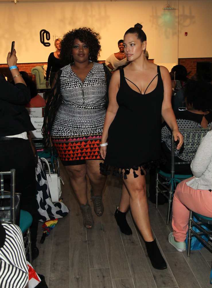 theCURVYcon flash runway