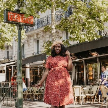 How to Dress Like a French Woman | Plus Size Fashion